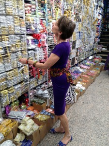 Alice & Co buying haberdashery in the Grand Bazaar Istanbul