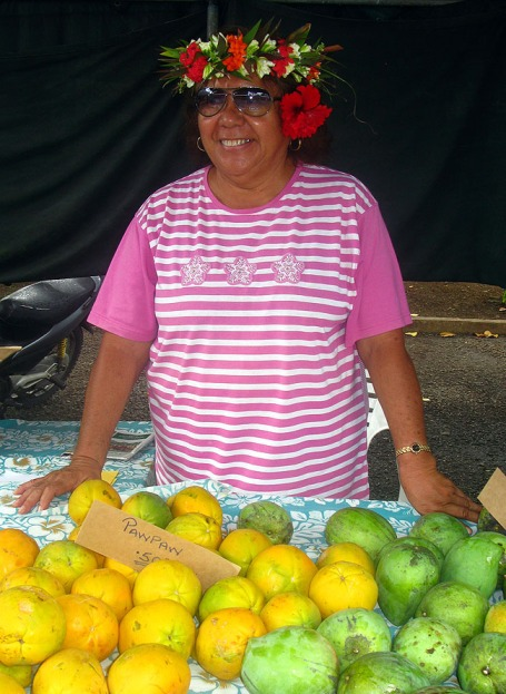 Market vendor in crown Rarotonga
