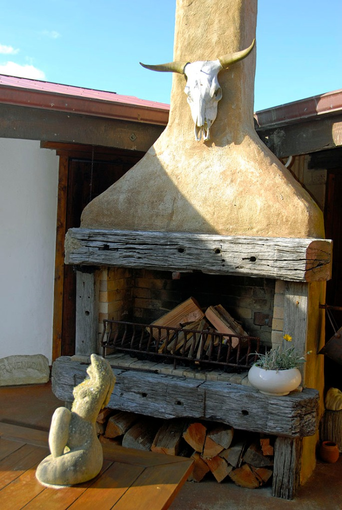 Outdoor Fire place Manawa Lodge NZ