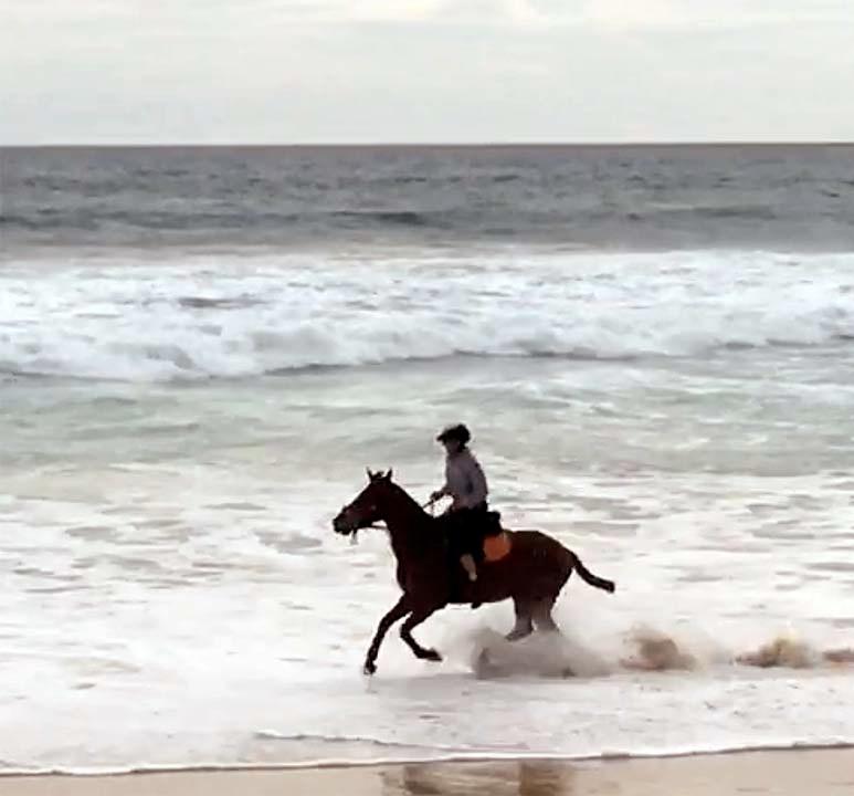 Beach ride Nihuwatu Sumba Indonesia